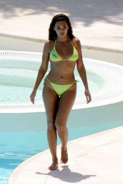 bikini body picture. Celebrity ikini bodies guess